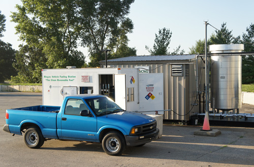 dane-co-truck-fueling-in-fron-of-trailer